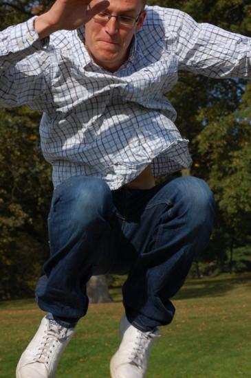 tom jumping [1280x768]